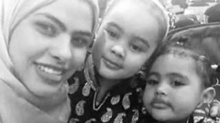 Rania and her daughters Fathia, 5, and Hania, 3